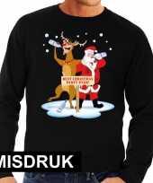 Foute kersttrui zwart met een dronken kerstman en rudolf voor heren met misdruk